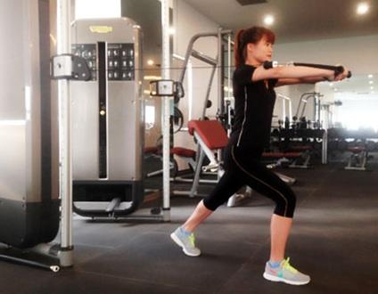 Bend - Một trong các bài tập gym cho nữ giảm cân nhanh chóng