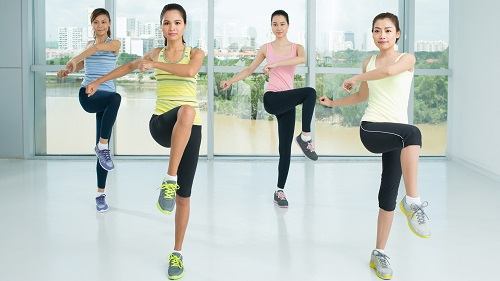 Bài tập aerobic vặn mình