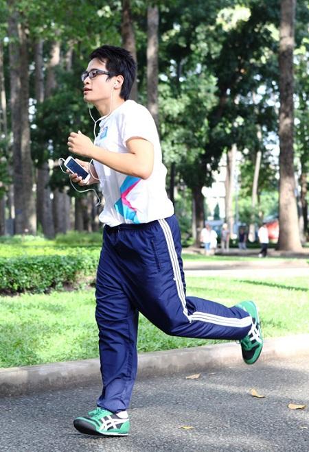 Chạy bộ - Bí quyết giảm cân của Hà Anh Tuấn