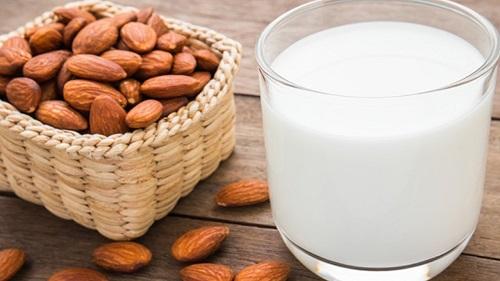 sữa hạnh nhân giảm cân