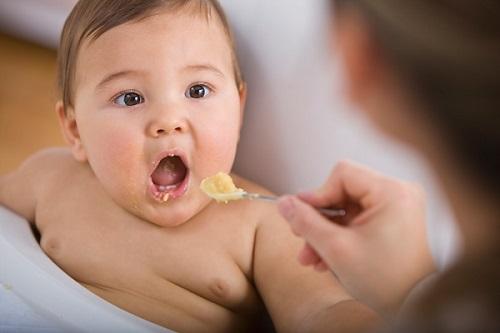 trẻ em ăn sầu riêng có tốt không