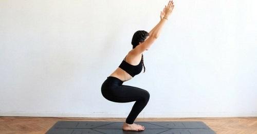Yoga tư thế chiếc ghế