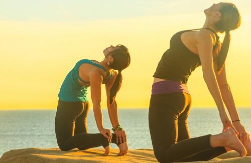 Yoga tư thế con lạc đà