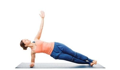 yoga tư thế Plank 1 bên
